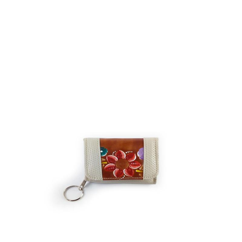 monedero billetera en cuero color beige con cuero repujado color café