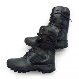 botas militares de lado izquierdo